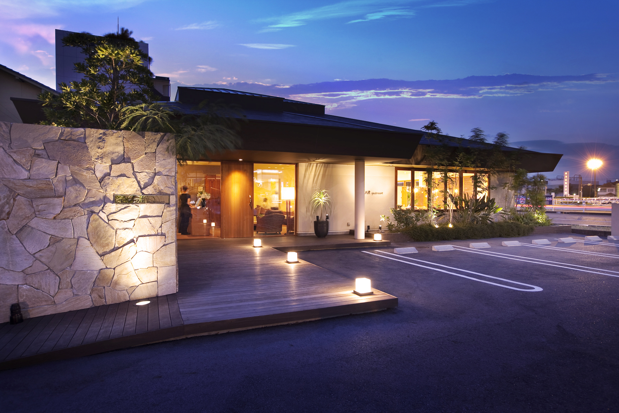TOP HAIR spa&resort 鳴海